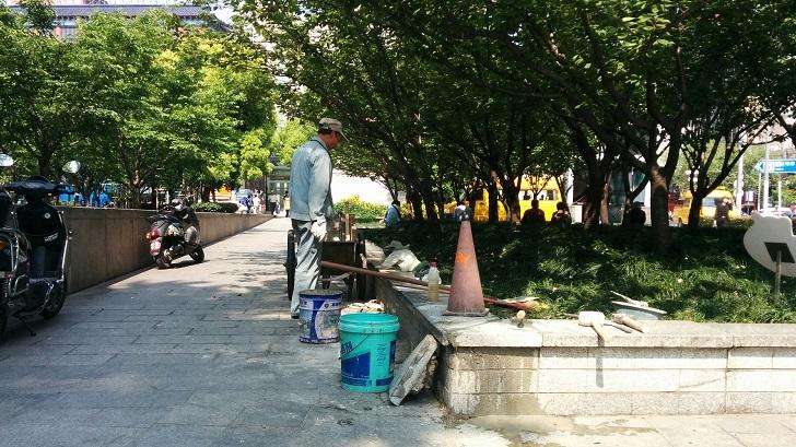 love-park-shanghai-manutenzione